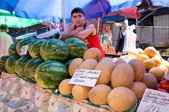Цены на херсонские овощи и фрукты падают - арбузы уже по 3 грн