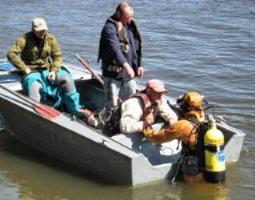 В Херсоне в одном из затонов Днепра утонул водолаз, нанятый ХСЗ