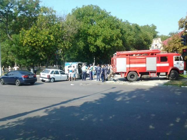 В Херсоне произошло ДТП возле госуниверситета (дополнено)