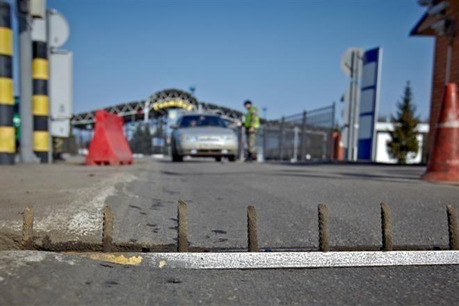 Между Херсонской областью и Крымом образовались километровые пробки