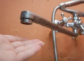 В Херсоне из-за порывов остались без воды 5 домов и часть Забалки