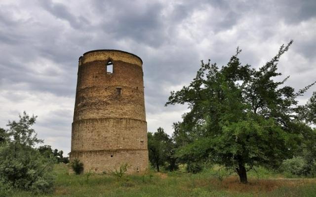Строительство Каховской ГЭС-2 божет разрушить легендарную «башню Витовта»