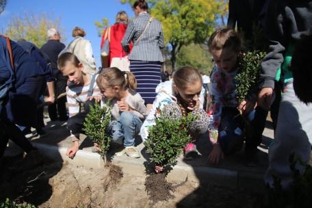 В Херсоне сегодня официально открыли сквер имени Лошкарева: фоторепортаж с торжеств