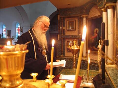 Херсонці вітають із днем народження Архієпископа на спокої Даміана