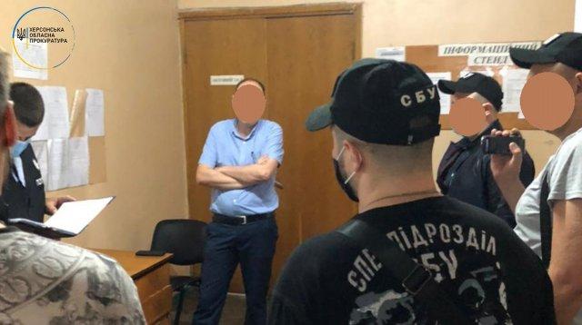 Очередная взятка в исполнительной службе — В Херсоне СБУ разоблачила еще двух работников ведомства